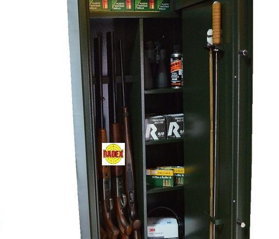 Sprzedam Szafa na broń Novcan G3/S1/8/P. Zobacz ogłoszenia sprzedaży szaf na broń w swojej okolicy. Dodaj swoje ogłoszenie za darmo.